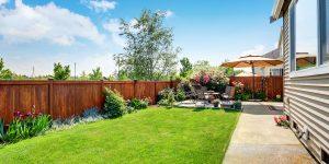garden-fence-feature
