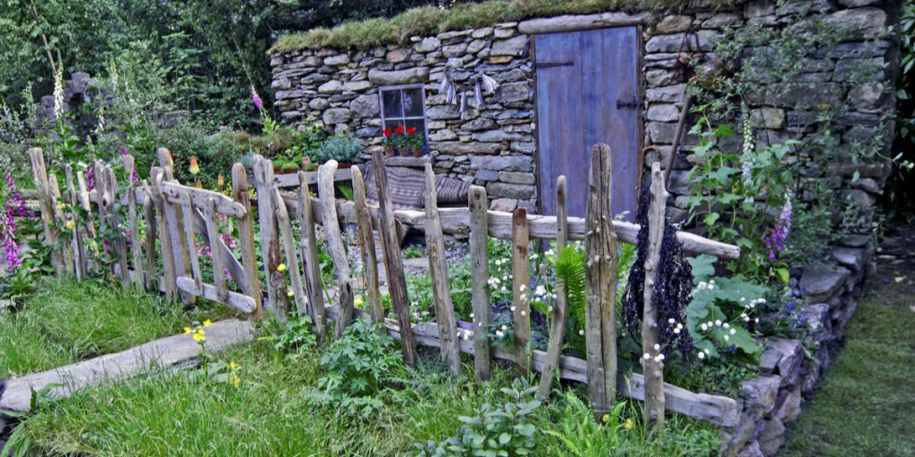 rustic-driftwood-fence