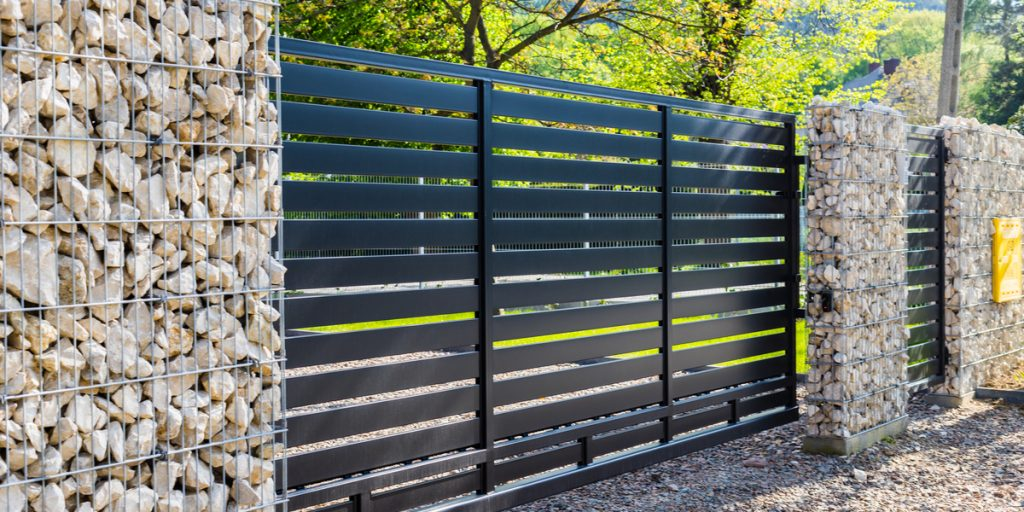 horizontal-black-slats